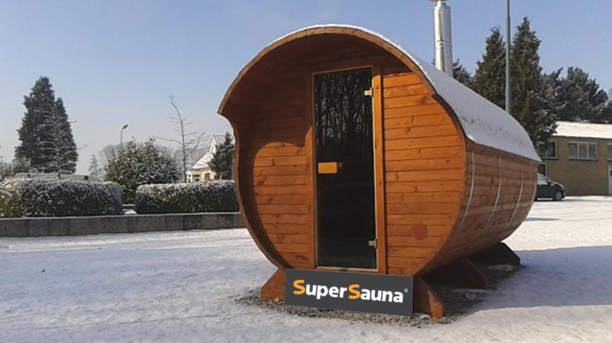 sauna-beczka-snieg
